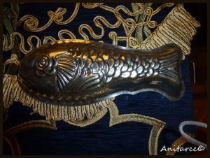 Molde en forma de pescado por fuera