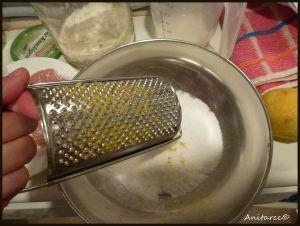 Rallamos cáscara de limón