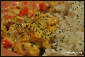 Curry de pollo y arroz basmati