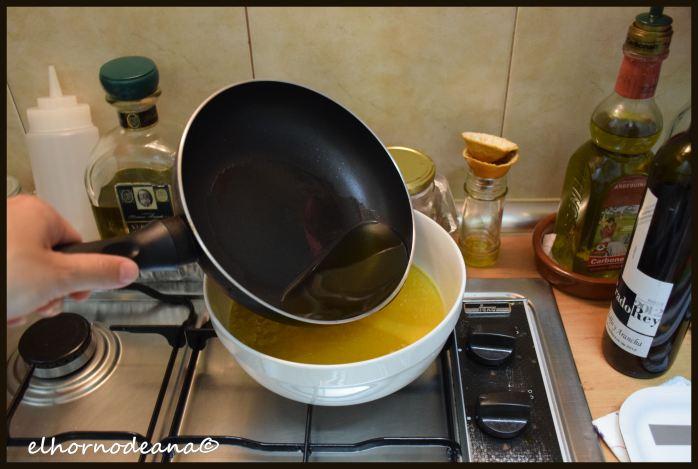 Añadimos el aceite frito