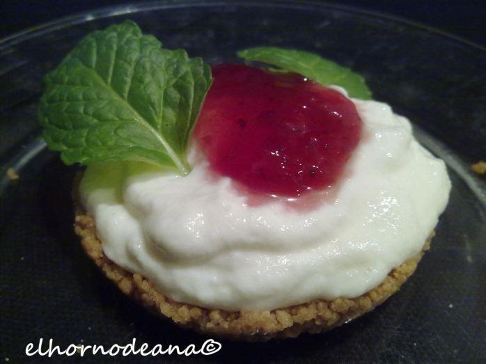 Tartaleta de crema de requesón con hierbabuena y mermelada casera
